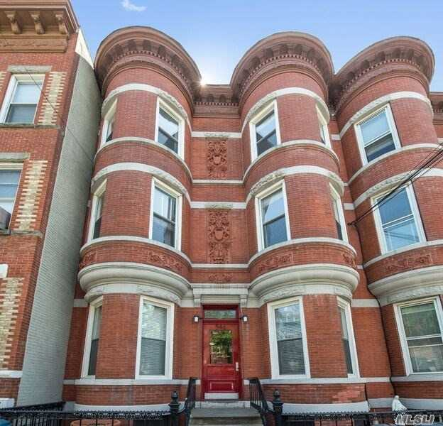 Residential For Sale in 546 51st Ave, Long Island City, NY ,11101