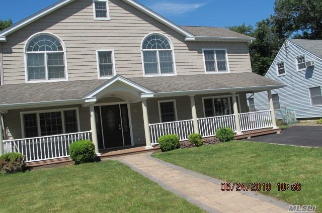 Residential For Sale in 272 Jamaica Blvd, Carle Place, NY ,11514