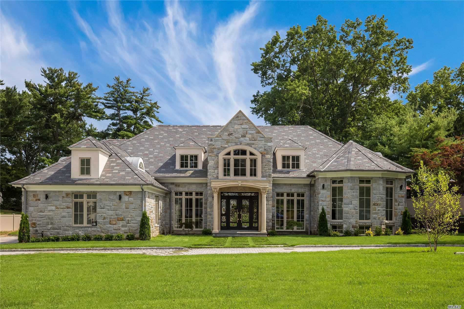 Residential For Sale in 97 Crescent Dr, Searingtown, NY ,11507