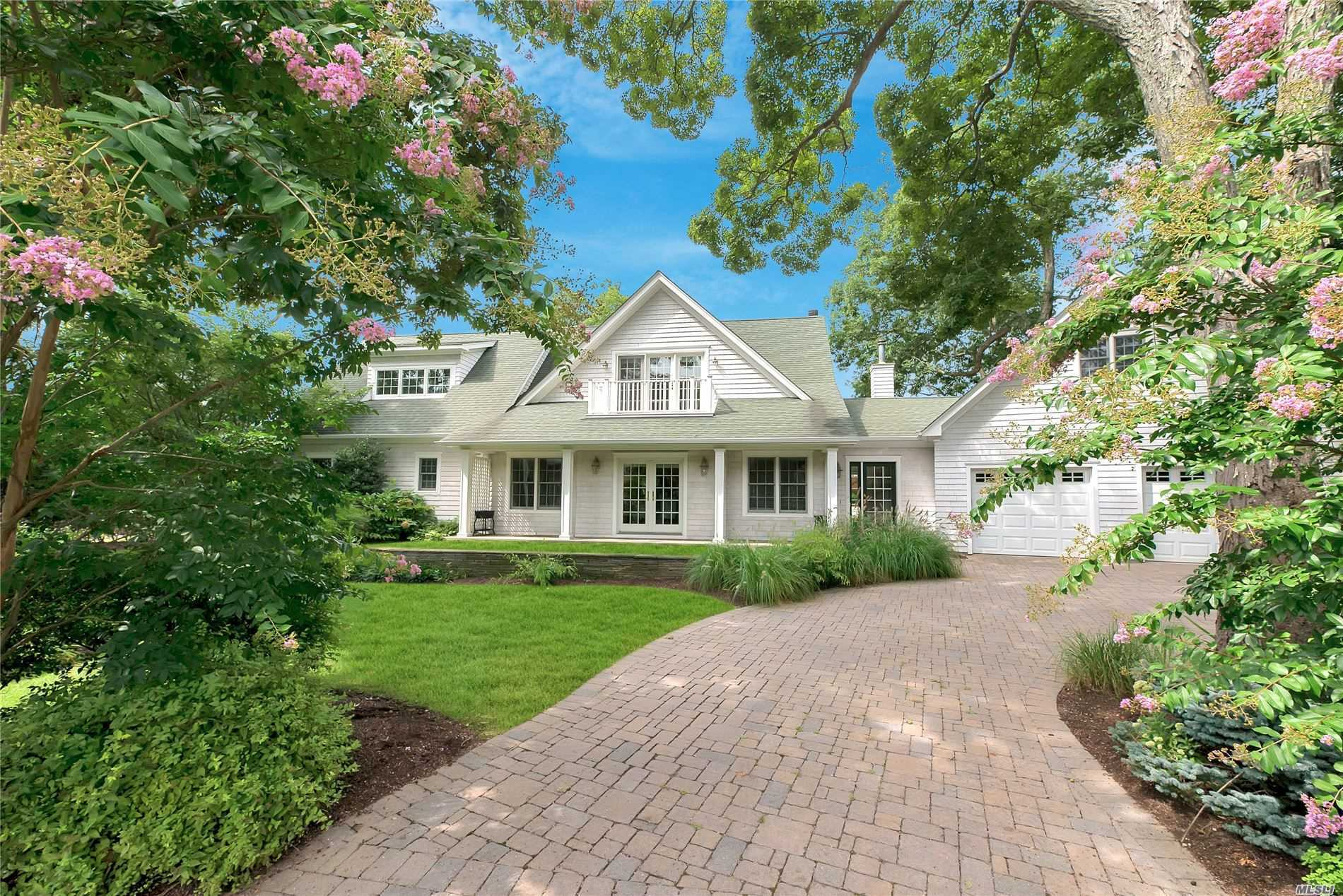 Residential For Sale in 3200 Camp Mineola Rd, Mattituck, NY ,11952