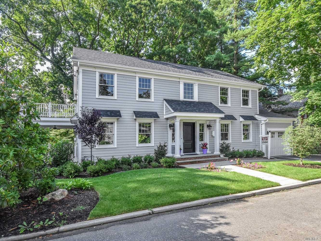 Residential For Sale in 125 Dayton St, Sea Cliff, NY ,11579