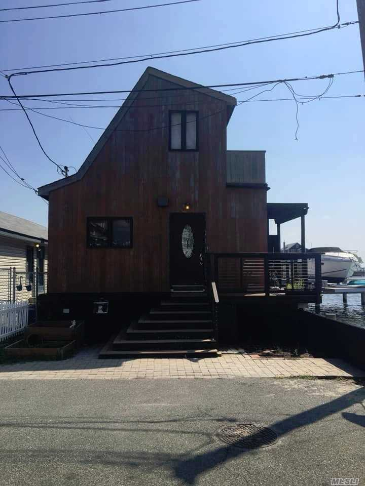Residential For Sale in 66 16th W Rd, Broad Channel, NY ,11693