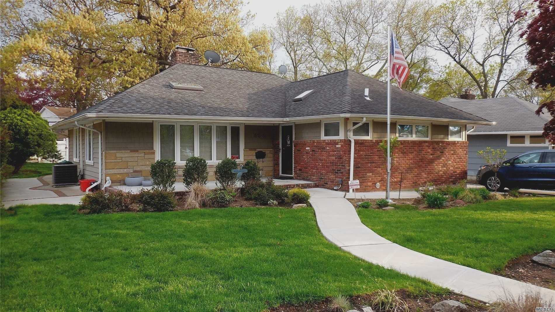 Residential For Sale in 558 Emerson Drive, W. Hempstead, NY ,11552