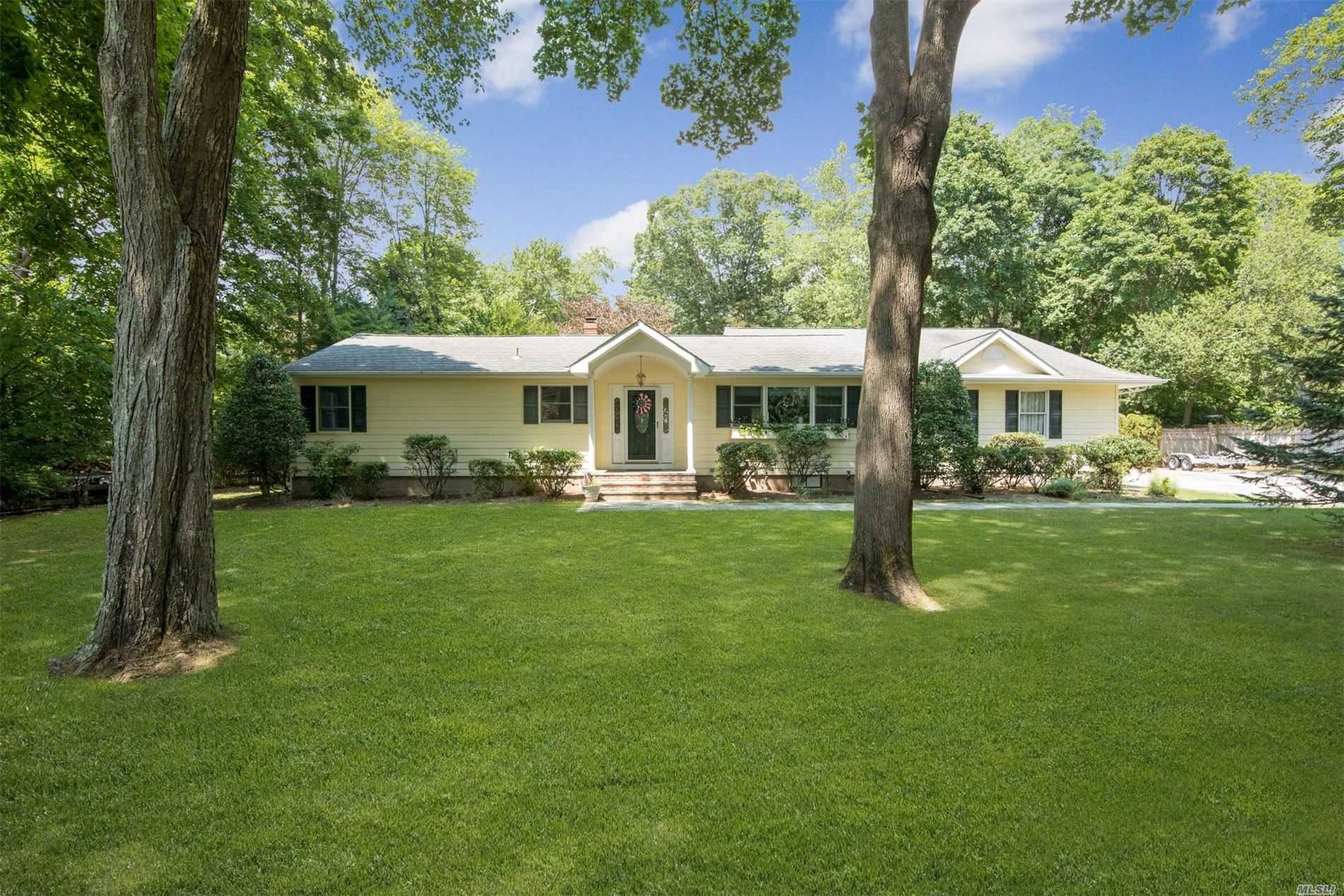 Residential For Sale in 3 Chapel Ave, Brookhaven, NY ,11719