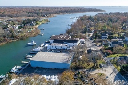 Commercial for sale in 7 Carter Ln, E. Quogue, NY ,11942