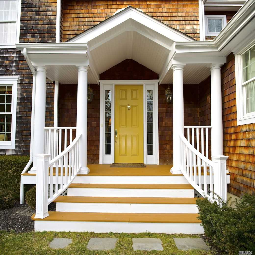 Residential For Sale in 95 Country S Rd, Bellport Village, NY ,11713