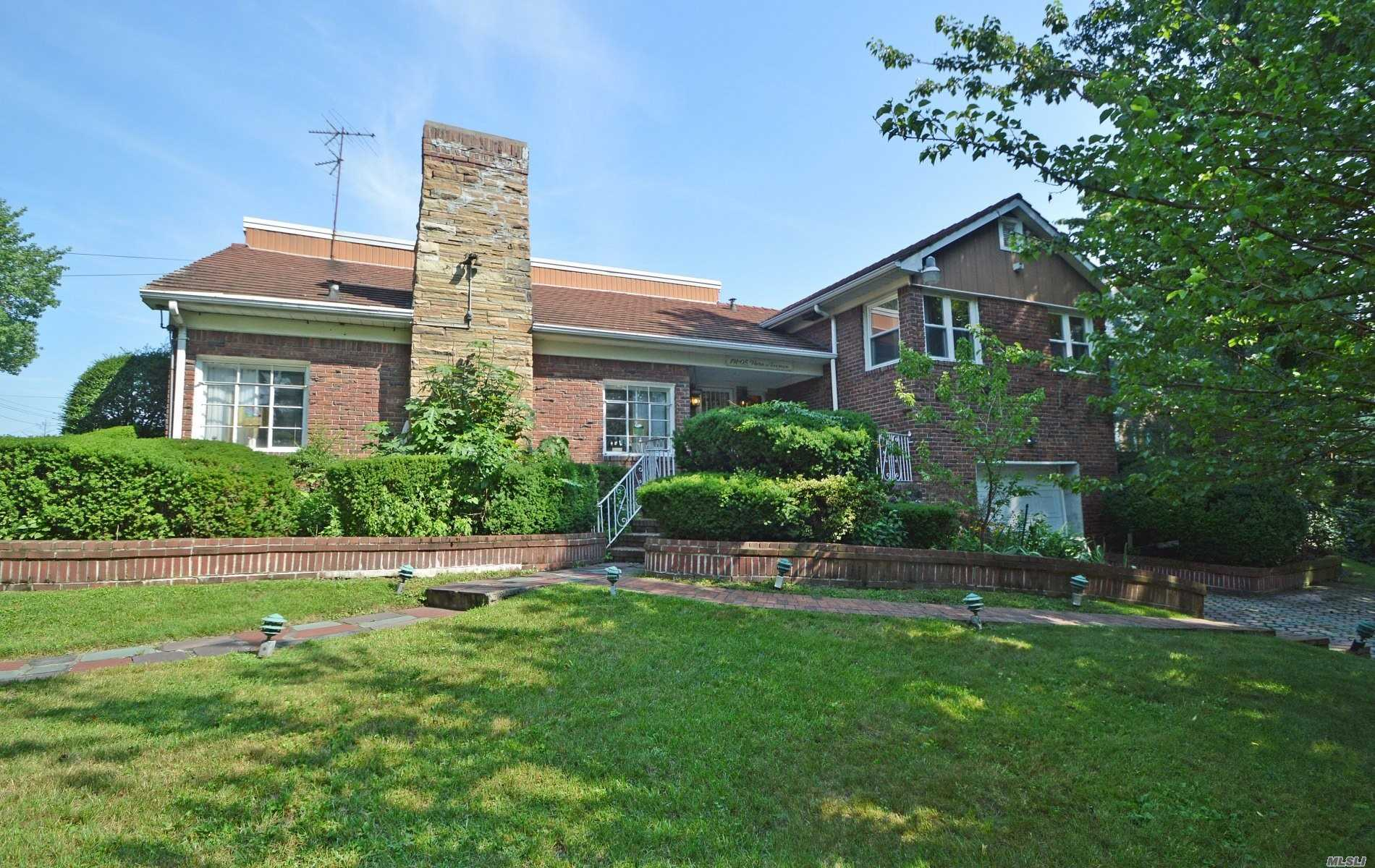 Residential For Sale in 191-05 Nero Ave, Holliswood, NY ,11423