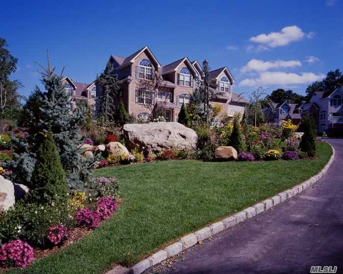 Residential For Rent in 47 Pinnacle N Dr, Pt.Jefferson Vil, NY ,11777