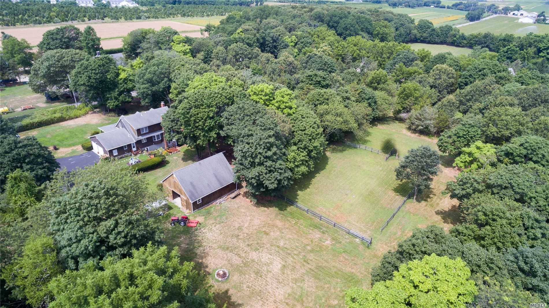 Residential For Sale in 184 Phillips Ln, Aquebogue, NY ,11931