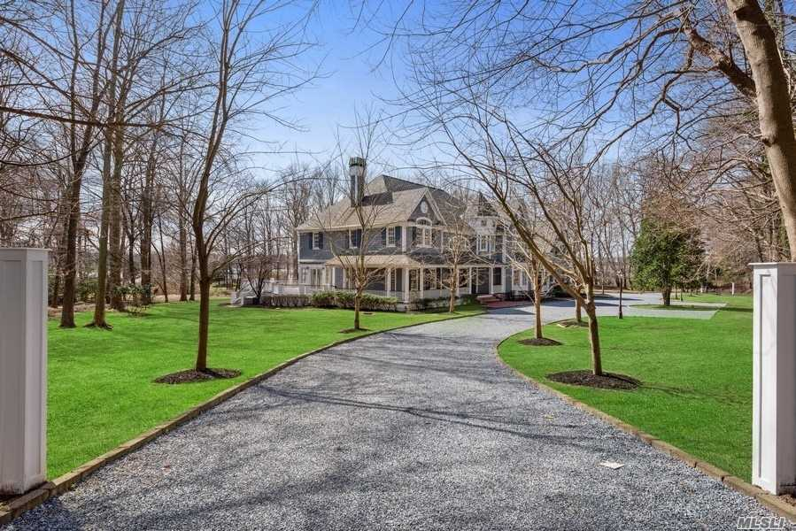 Residential For Sale in 1 Pine Point, Nissequogue, NY ,11780