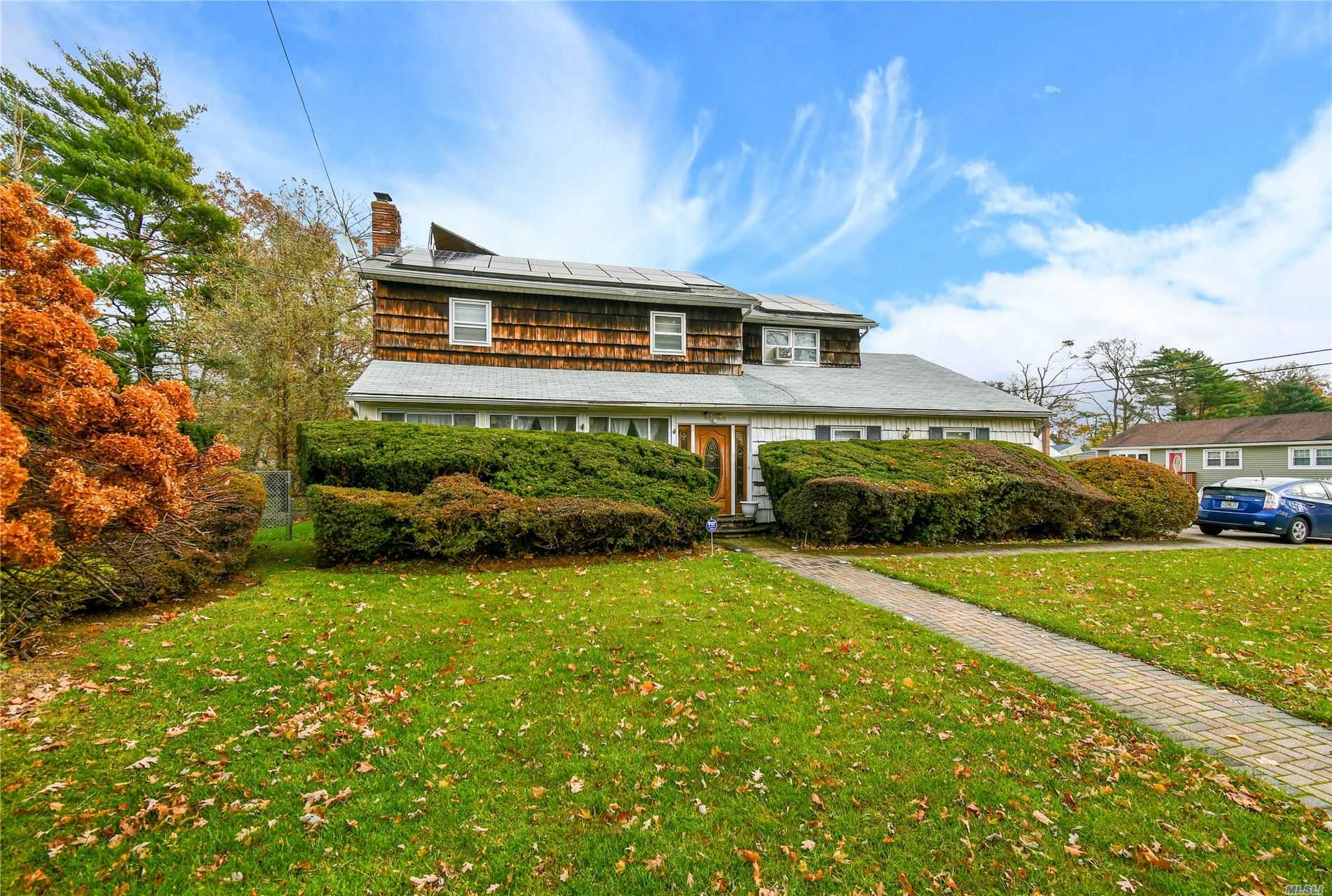 Residential For Sale in 49 Jefferson Ave, Brentwood, NY ,11717