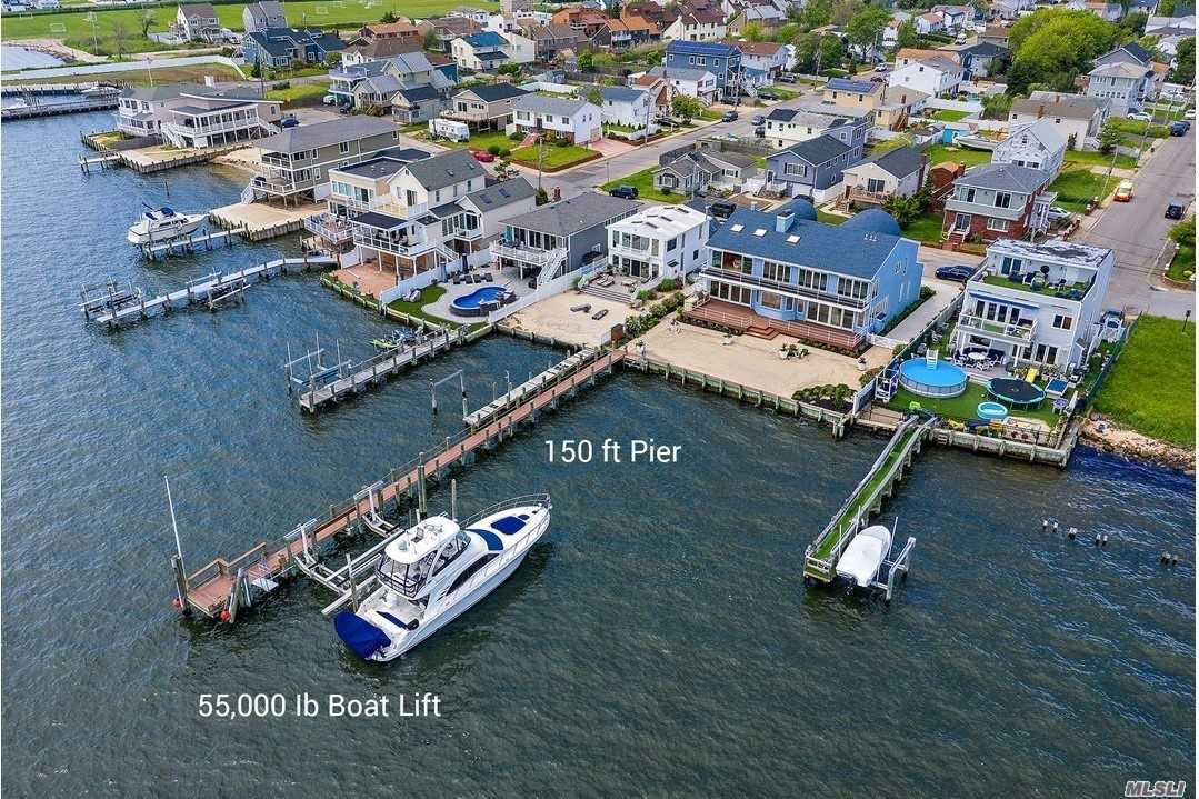 Residential For Sale in 65 Bayview Ave W, Lindenhurst, NY ,11757