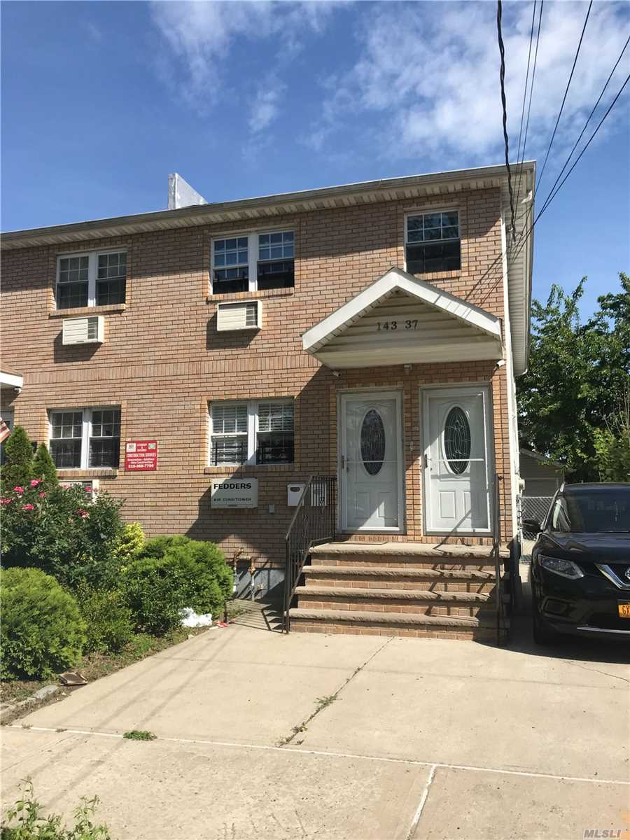 Residential For Sale in 14337 257th St, Rosedale, NY ,11422