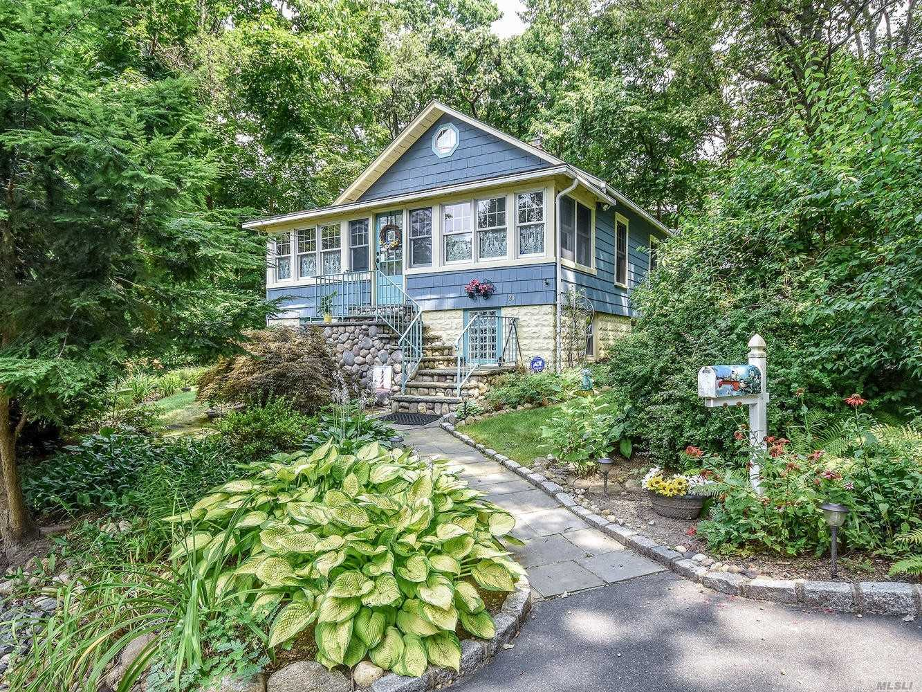Residential For Sale in 29 Hammond Rd, Glen Cove, NY ,11542