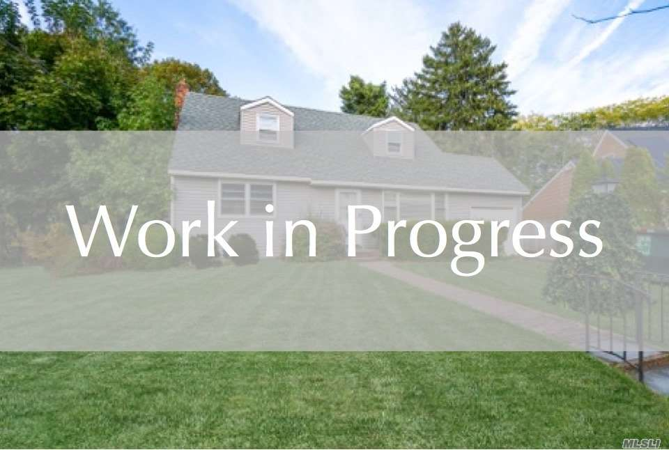 Residential For Sale in 108 Radcliff Dr, East Norwich, NY ,11732