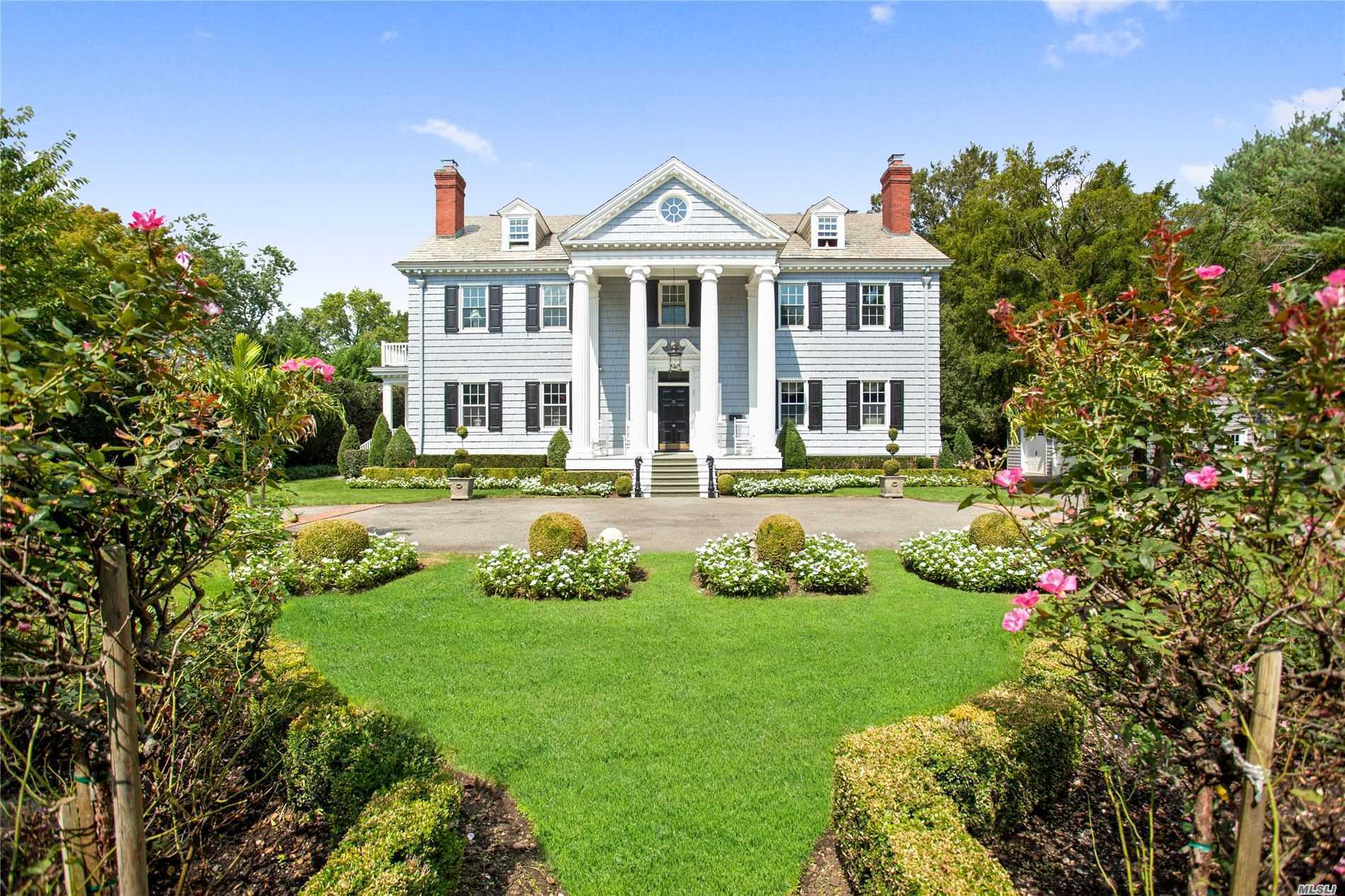 Residential For Sale in 111 10th St, Garden City, NY ,11530