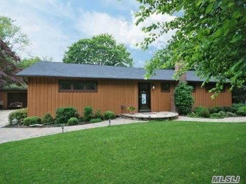 Residential For Sale in 86 Bay Rd, Brookhaven, NY ,11719