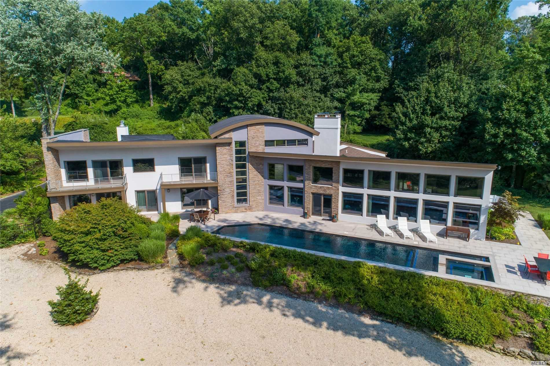 Residential For Sale in 150 Shore E Rd, Huntington Bay, NY ,11743
