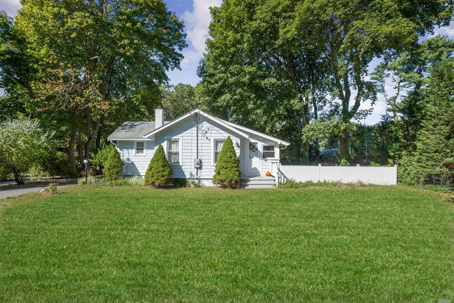 Residential For Sale in 510 Yaphank-Middle Rd, Yaphank, NY ,11980
