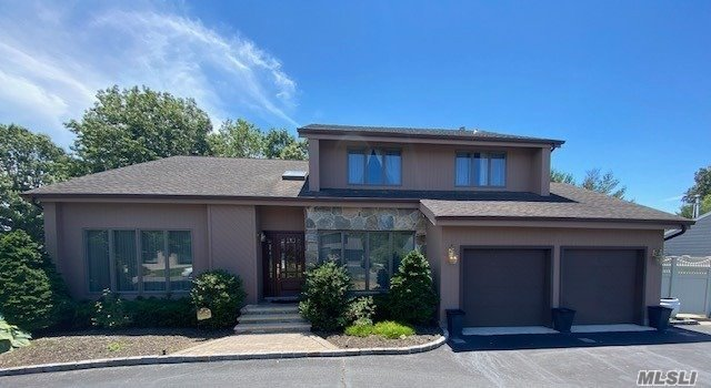 Residential For Sale in 53 Annandale, Commack, NY ,11725