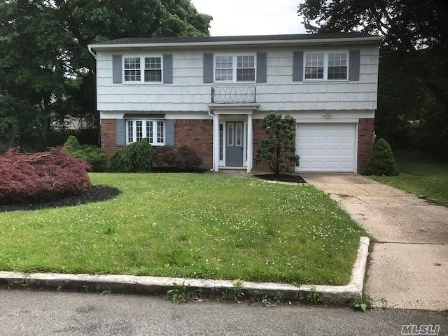 Residential For Sale in 290 Essex St, W. Babylon, NY ,11704