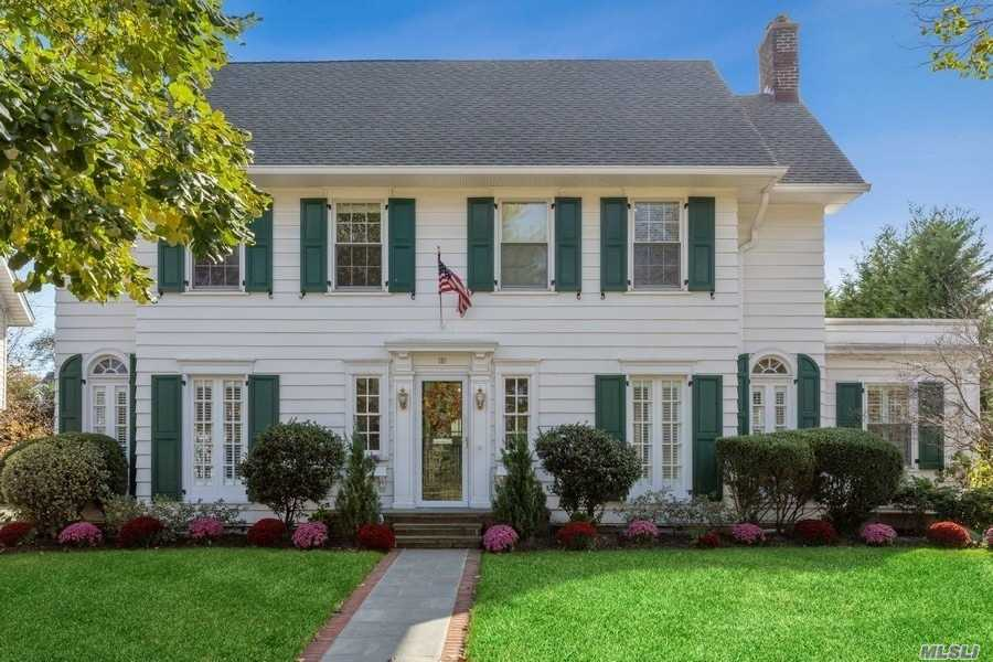 Residential For Sale in 106 Fourth St, Garden City, NY ,11530