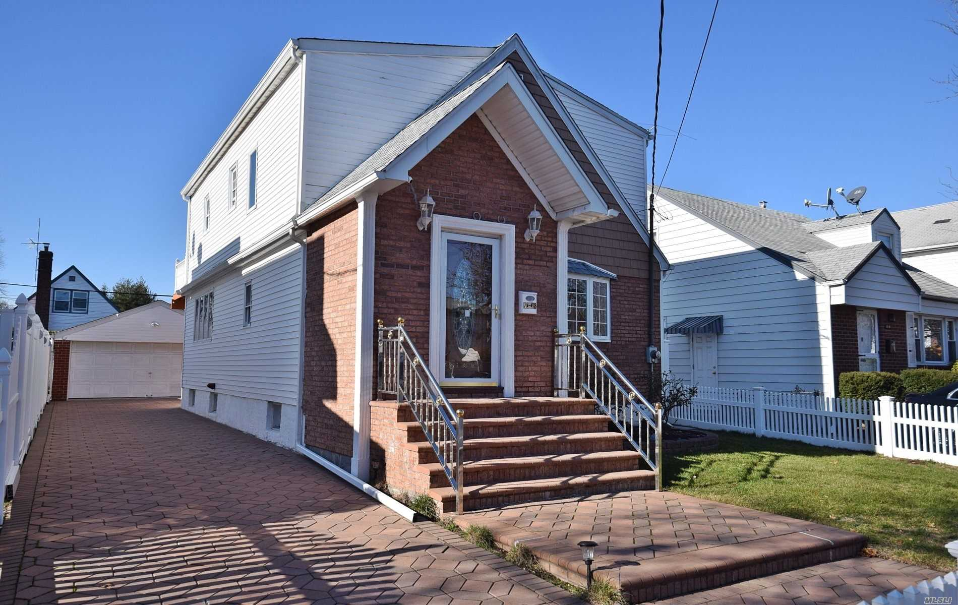 Residential For Sale in 83-36 268th St, Floral Park, NY ,11004