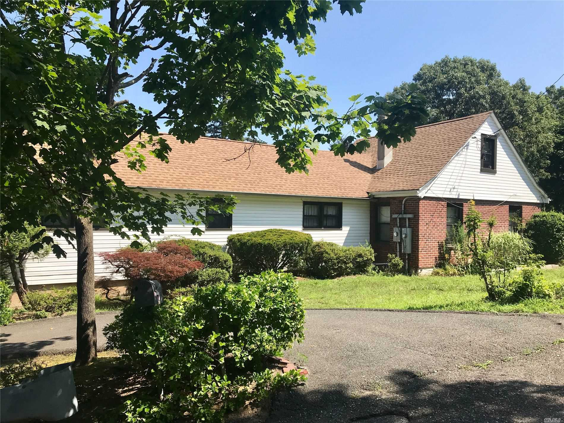 Residential For Sale in 23 Southold Rd, Sound Beach, NY ,11789
