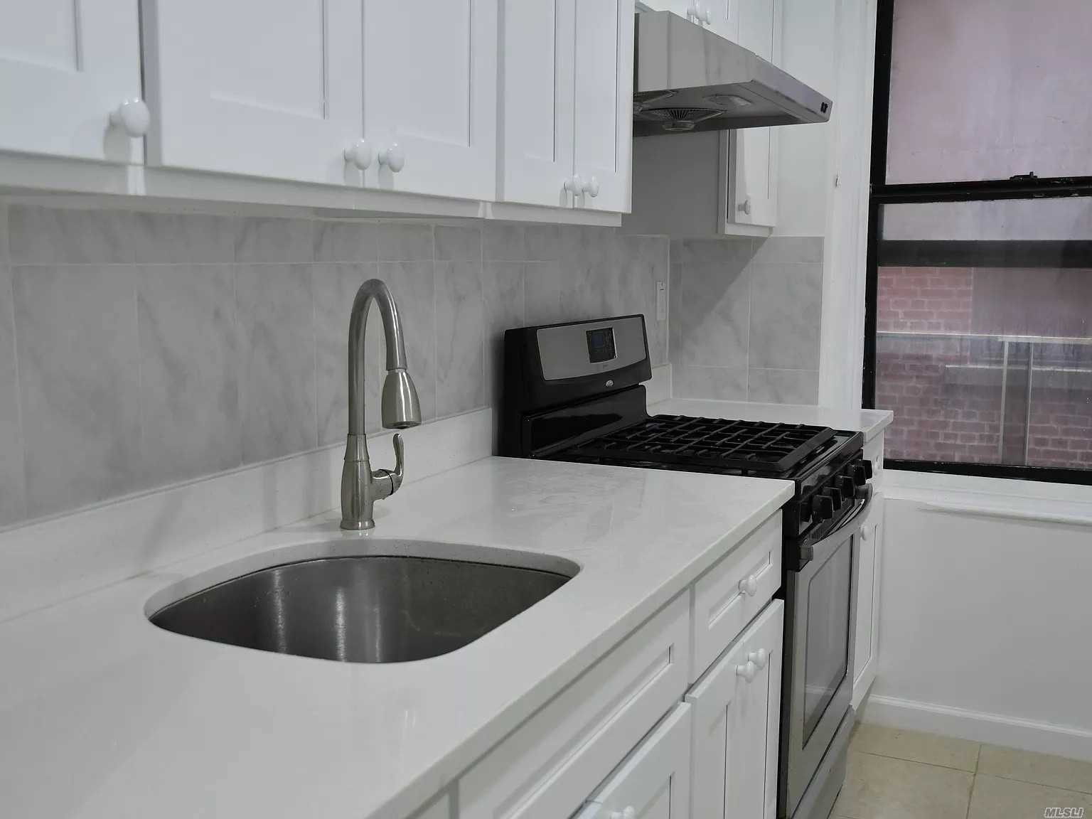 Condominium for sale in 825 Walton Ave, Out Of Area Town, NY ,10451