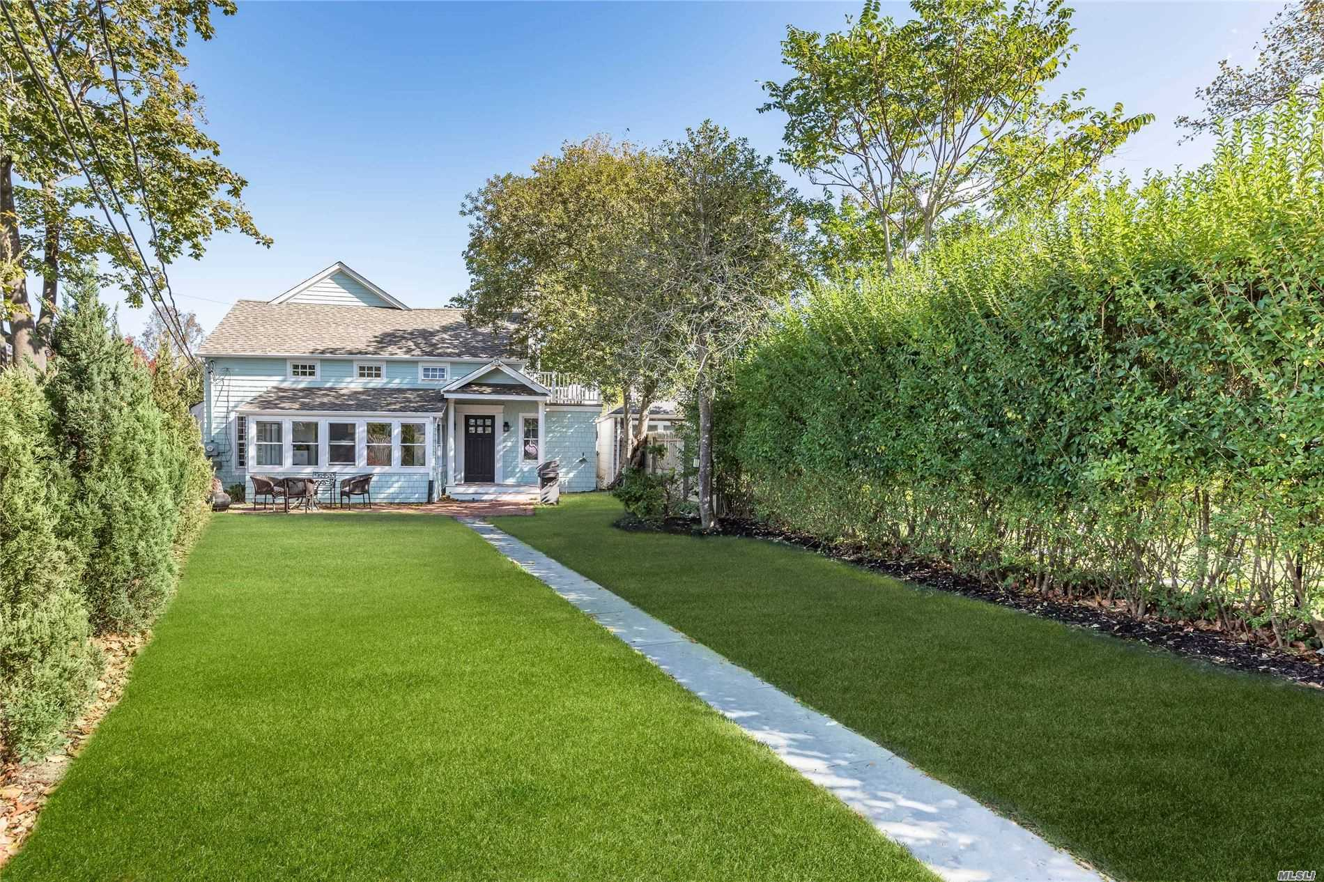 Residential For Sale in 10 Beach Ln, Westhampton Bch, NY ,11978