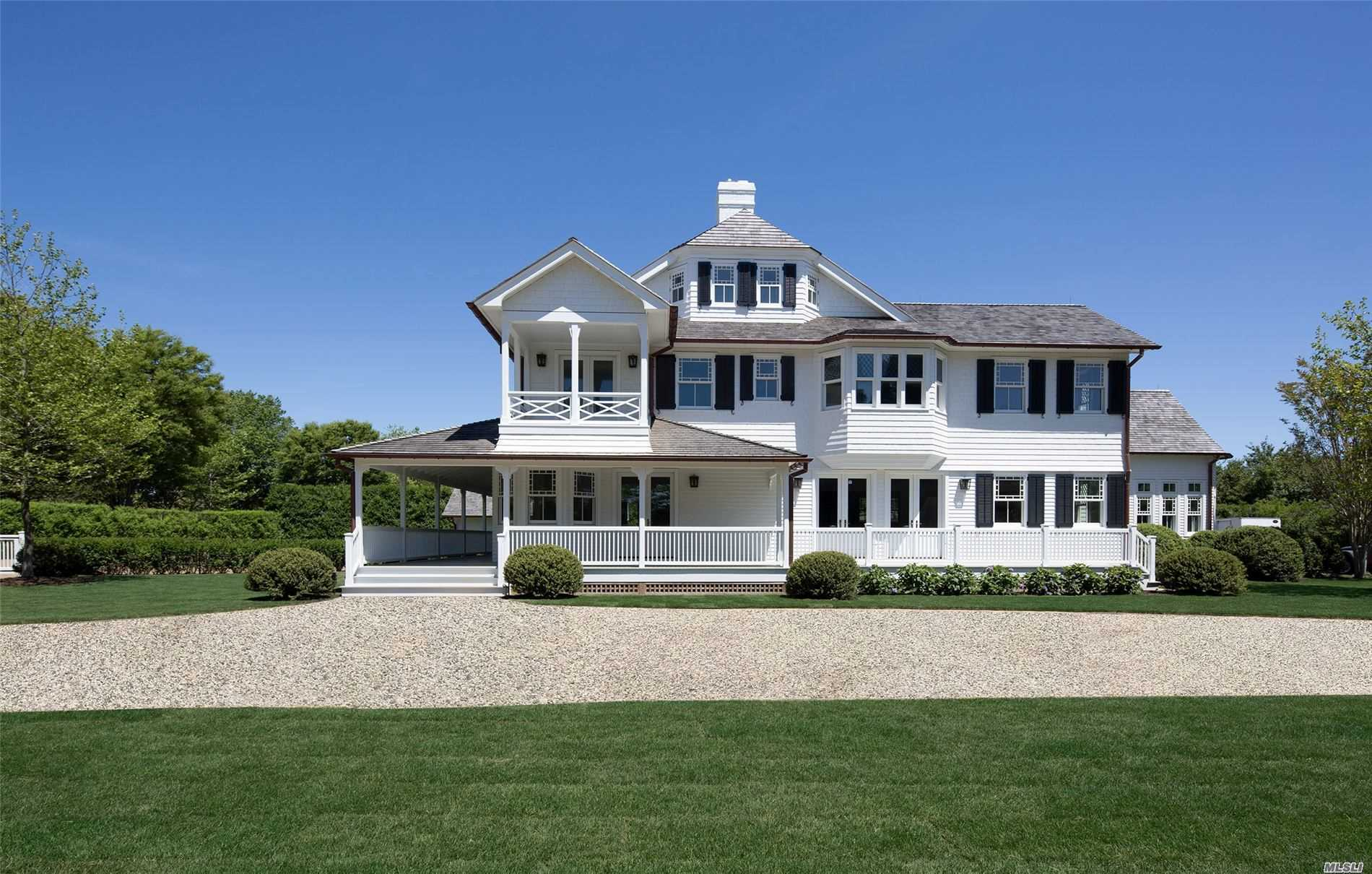 Residential For Sale in 41 Gin Ln, Southampton, NY ,11968
