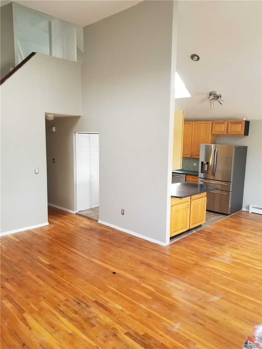 Residential For Rent in 416 Chester W St, Long Beach, NY ,11561