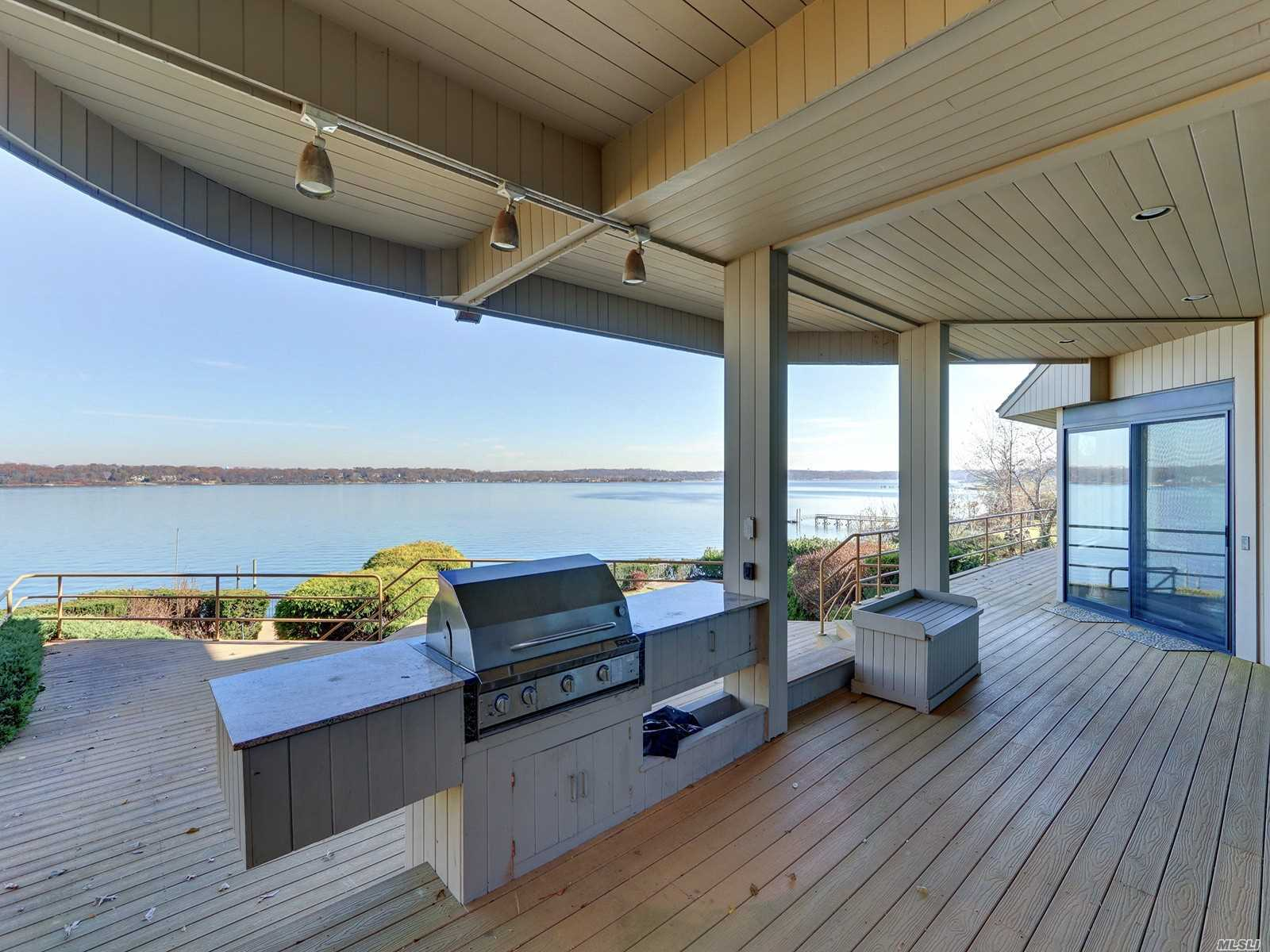 Residential For Sale in 15 Gatsby Lane, Great Neck, NY ,11024