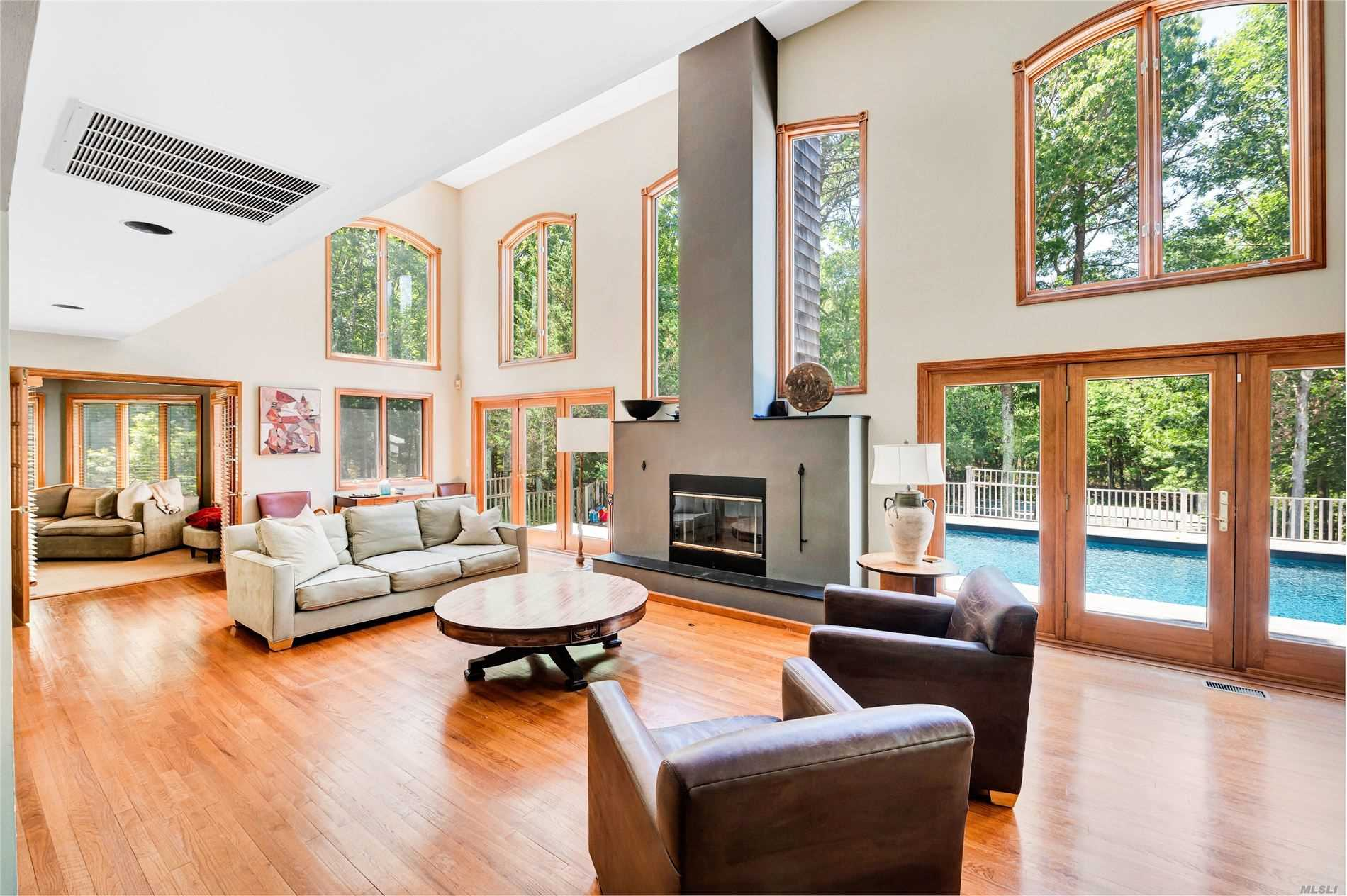Residential For Sale in 1060 Noyac Path, Water Mill, NY ,11976