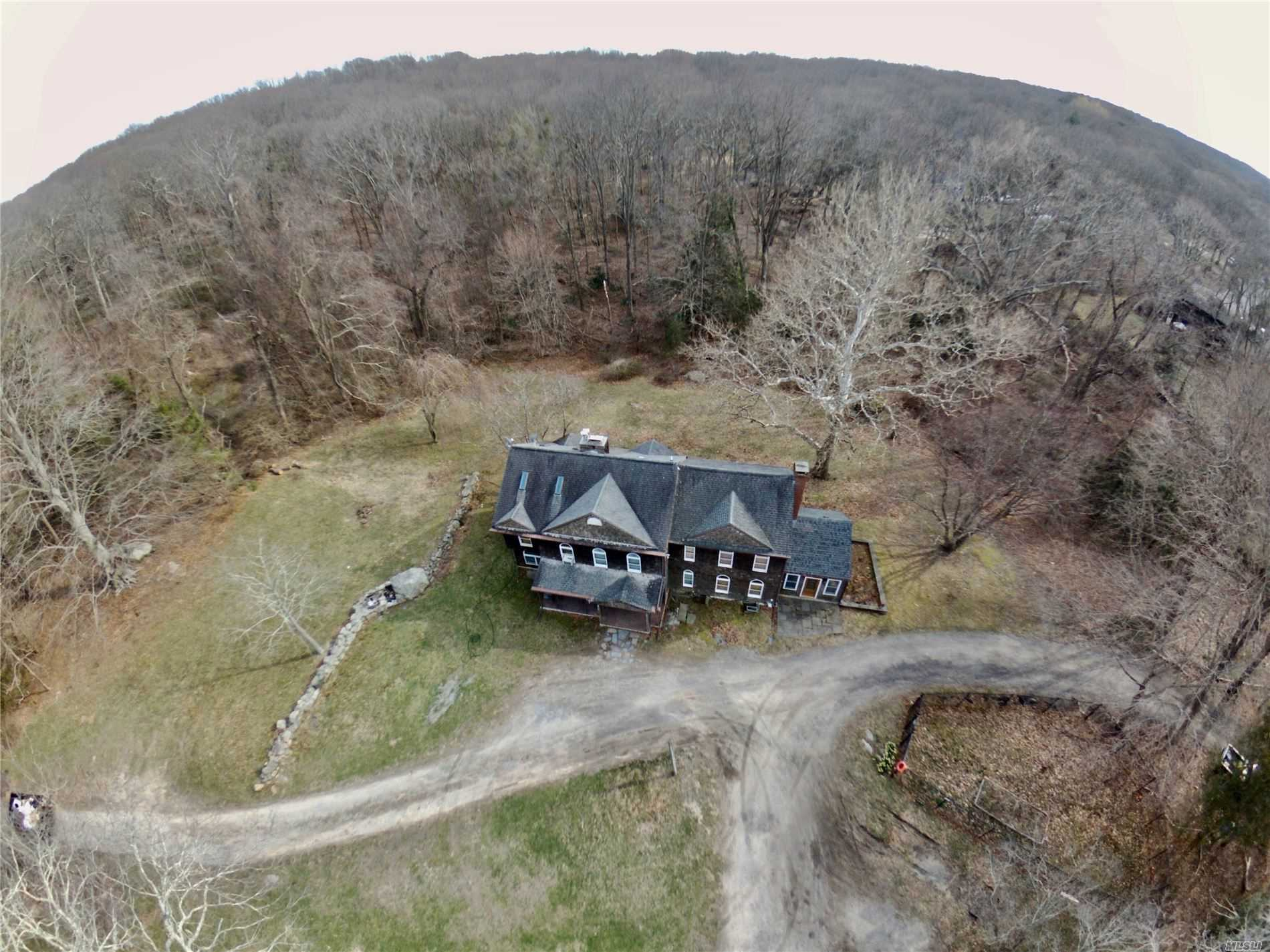 Residential For Sale in 2379 Wading River N Rd, Wading River, NY ,11792