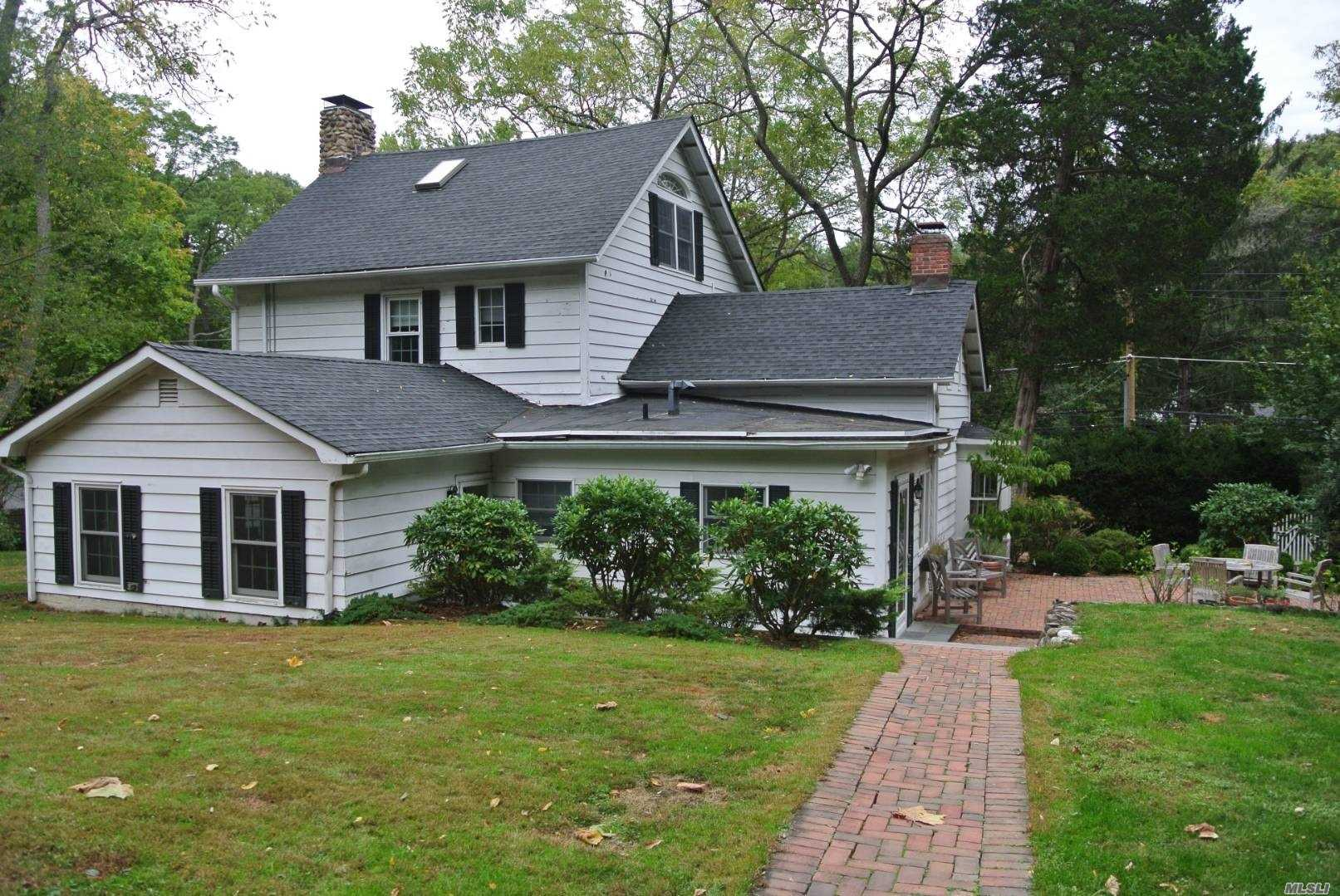 Residential For Sale in 88 Turkey Ln, Cold Spring Hrbr, NY ,11724