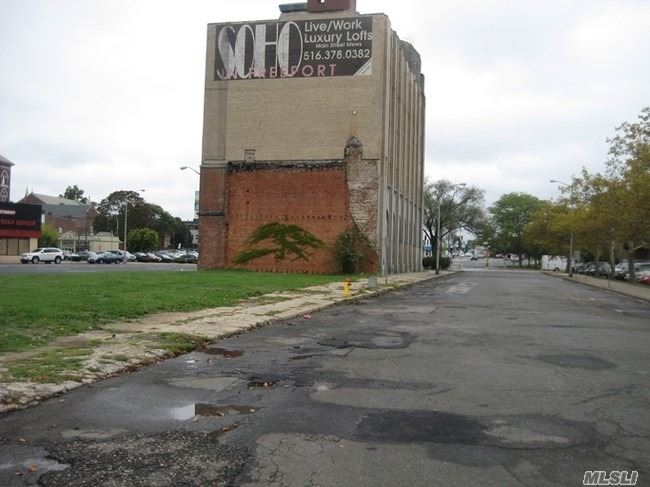 Commercial for sale in 70 Sunrise W Hwy, Freeport, NY ,11520