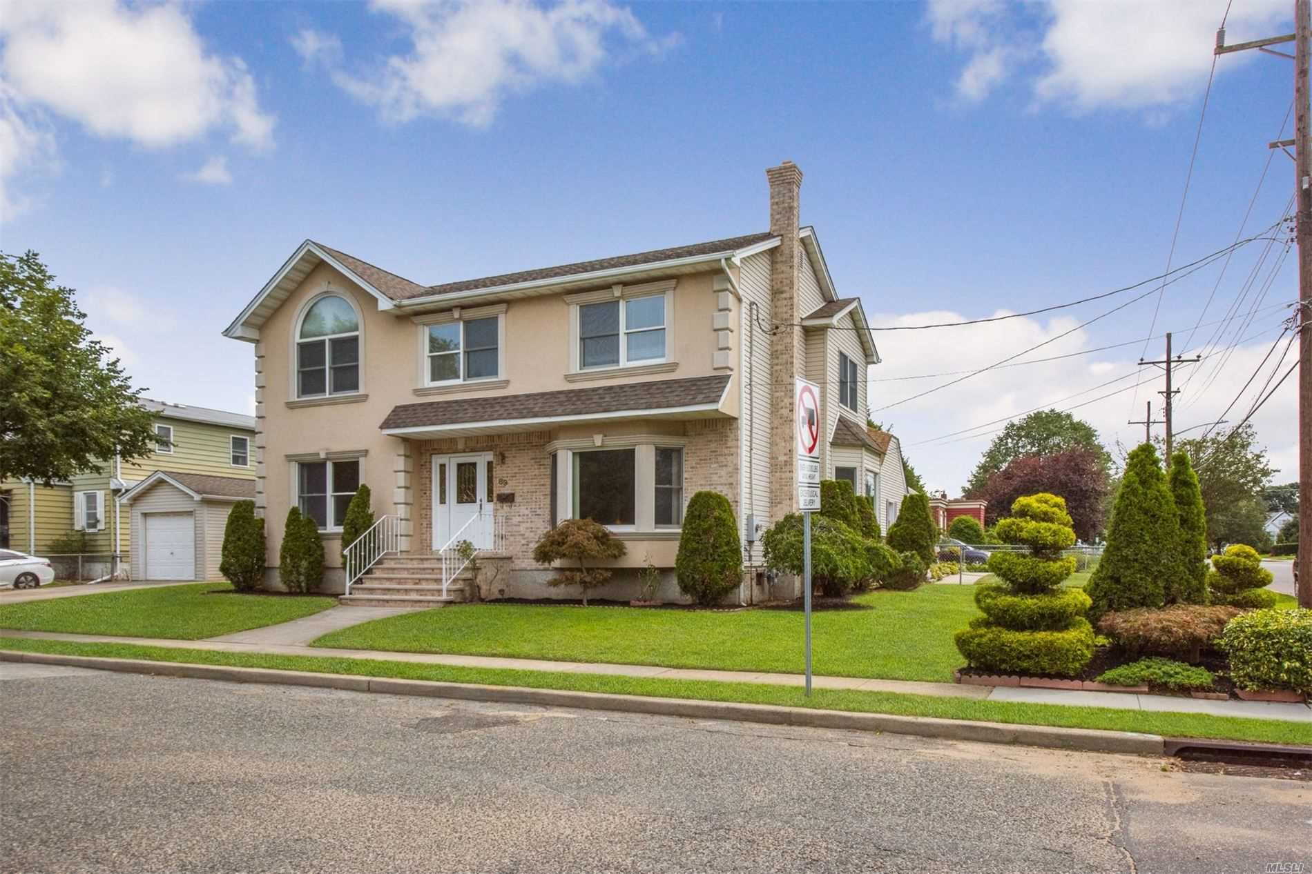 Residential For Sale in 89 Commonwealth St, Franklin Square, NY ,11010
