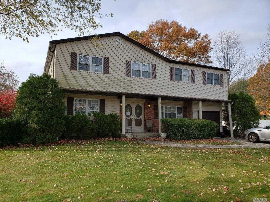 Residential For Sale in 28 Malone Ave, Medford, NY ,11763