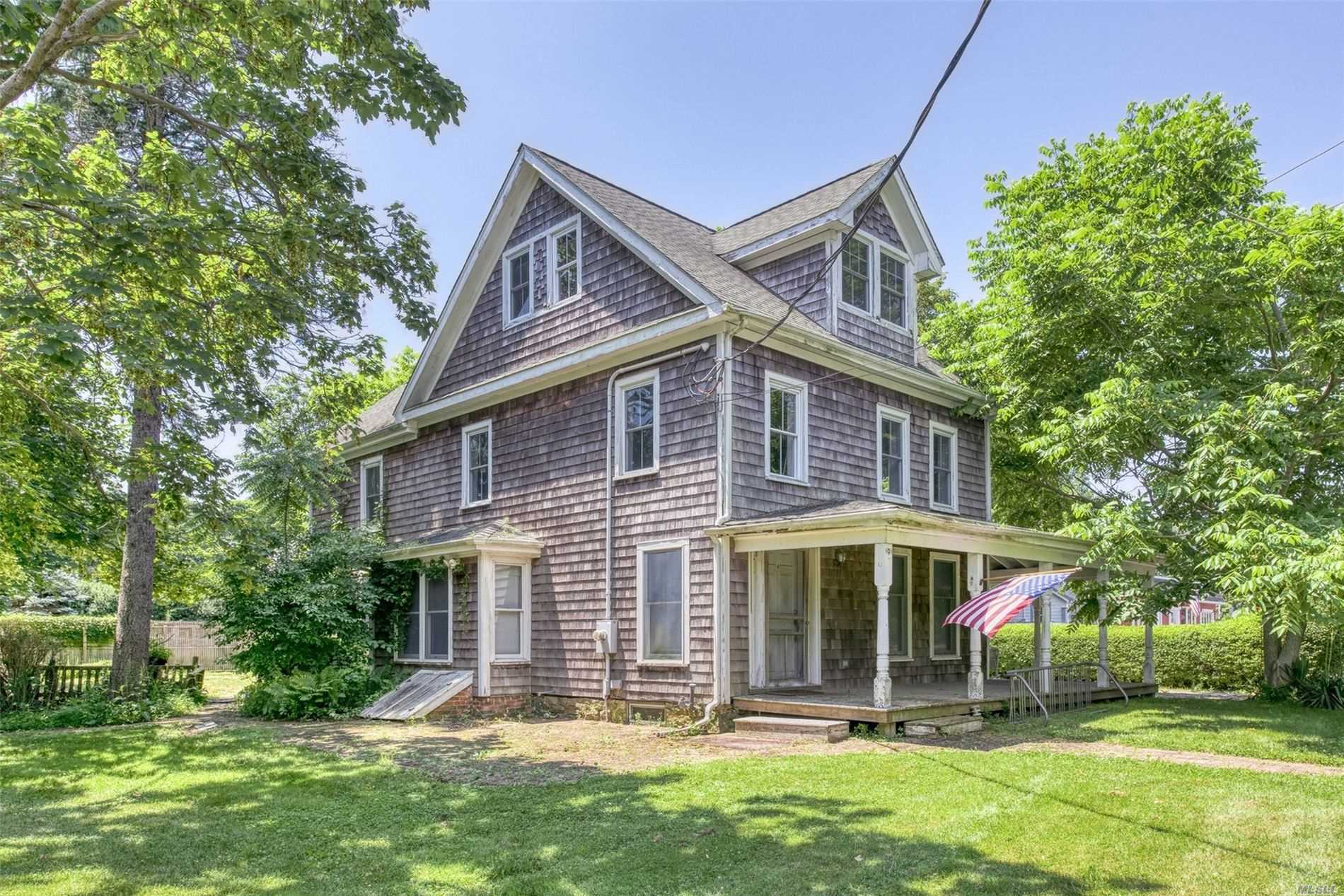 Residential For Sale in 22540 Main St, Orient, NY ,11957