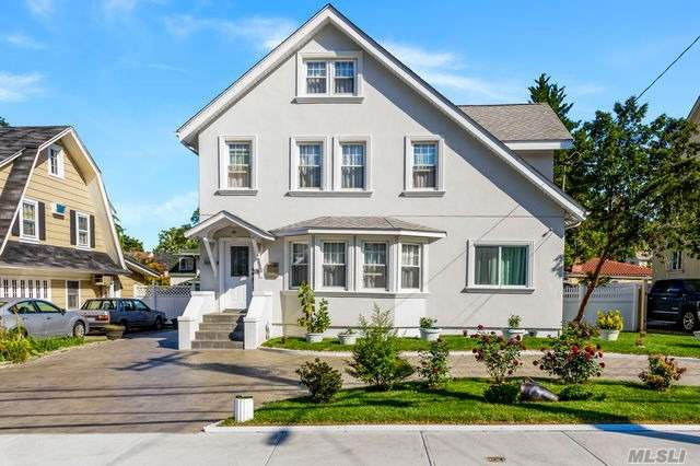 Residential For Sale in 46-29 Douglaston Pky, Douglaston, NY ,11362