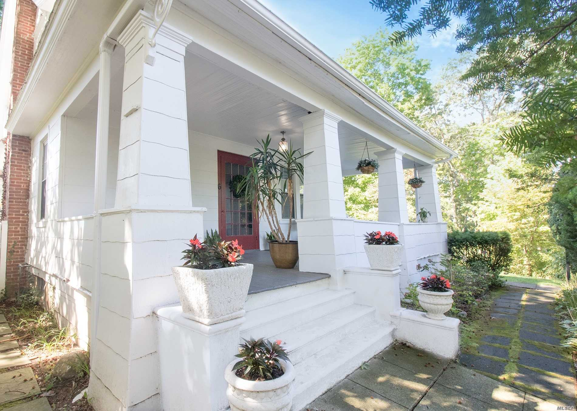 Residential For Sale in 6 New York Ave, Stony Brook, NY ,11790