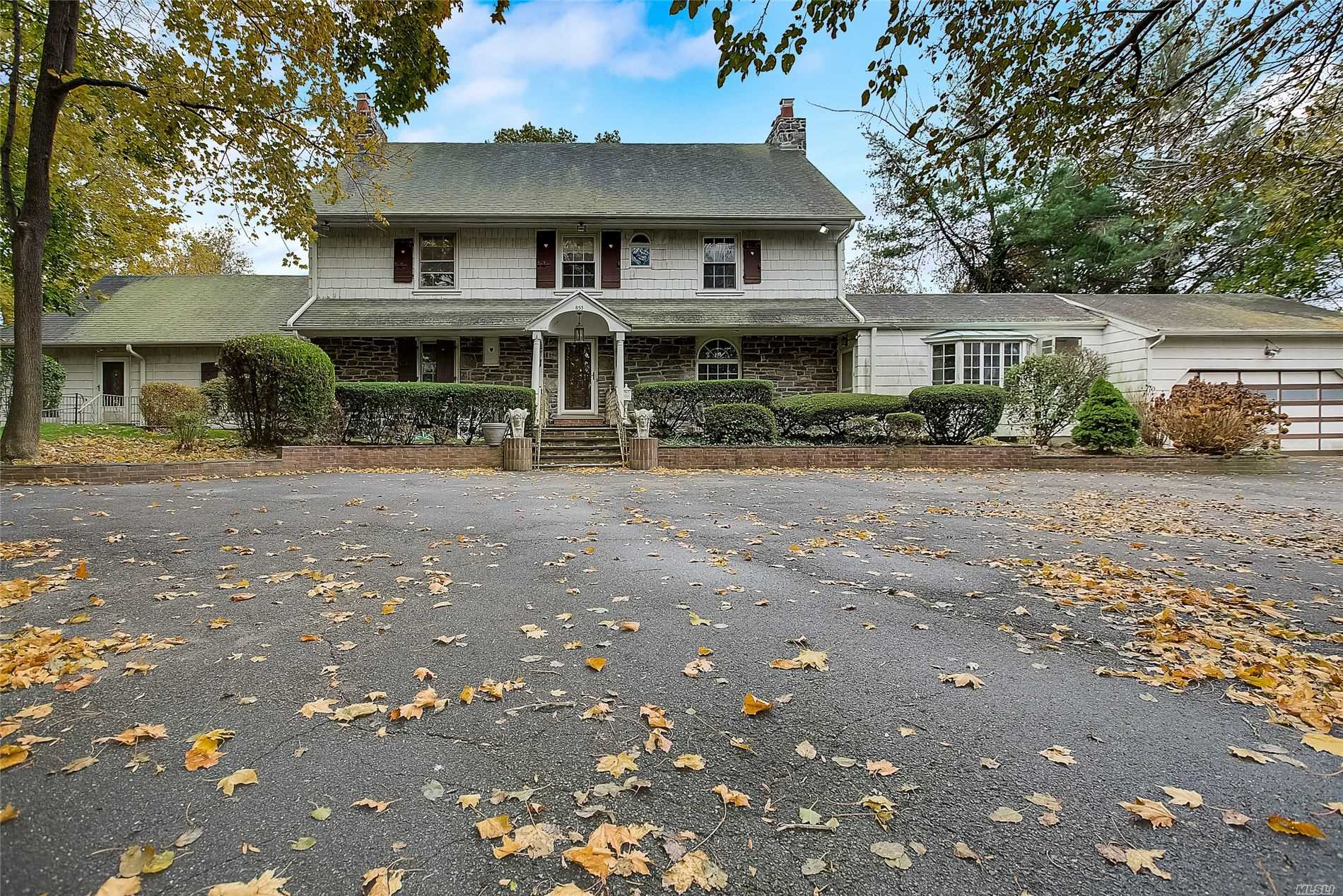 Residential For Sale in 853 Keene Ln, Woodmere, NY ,11598