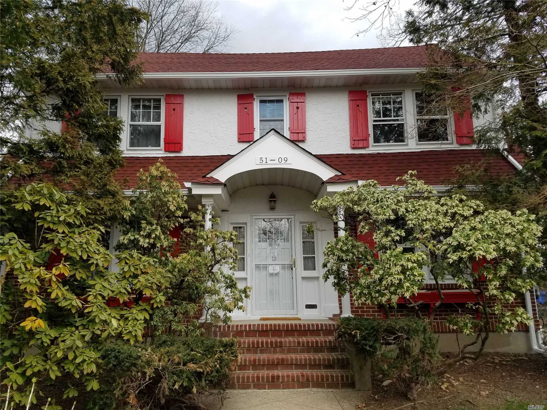 Residential For Sale in 51-09 Douglaston Pky, Douglaston, NY ,11362