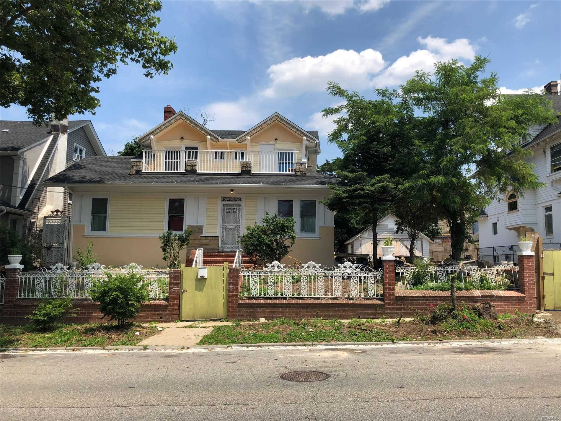 Residential For Sale in 109-27 196th Street, St. Albans, NY ,11412
