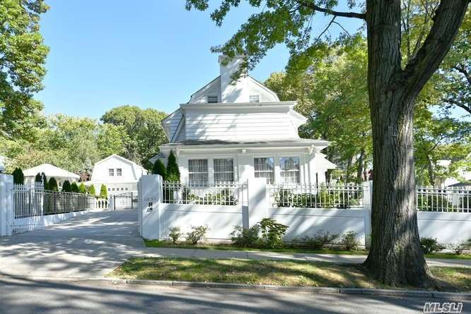 Residential For Sale in 122 82nd Rd, Kew Gardens, NY ,11415