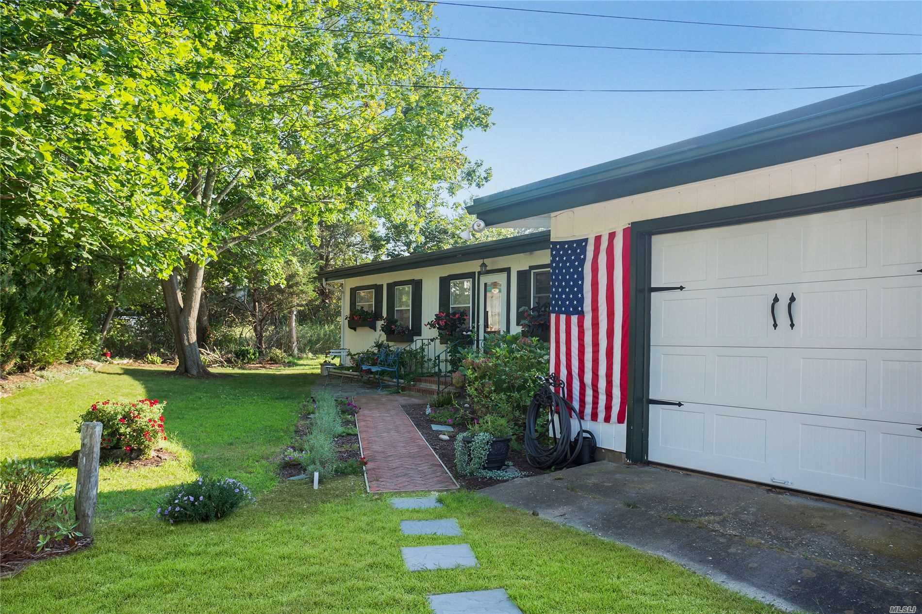 Residential For Sale in 6 Wells Rd, Hampton Bays, NY ,11946