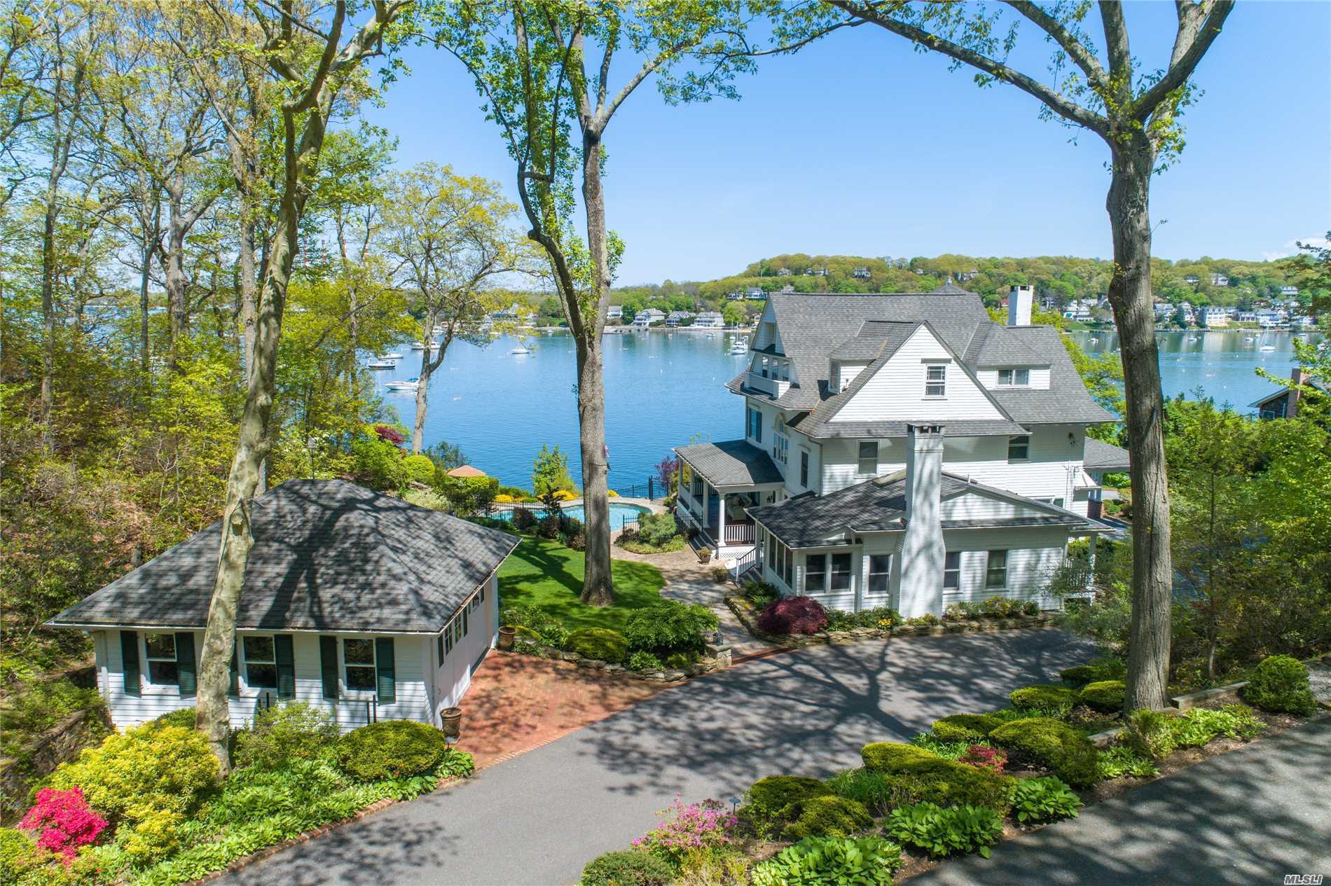 Residential For Sale in 17 Idle Day Dr, Centerport, NY ,11721