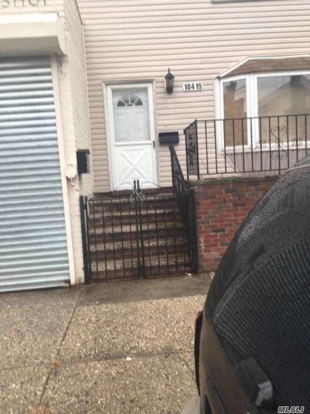 Residential For Sale in 104 15 118th St, Richmond Hill, NY ,11419