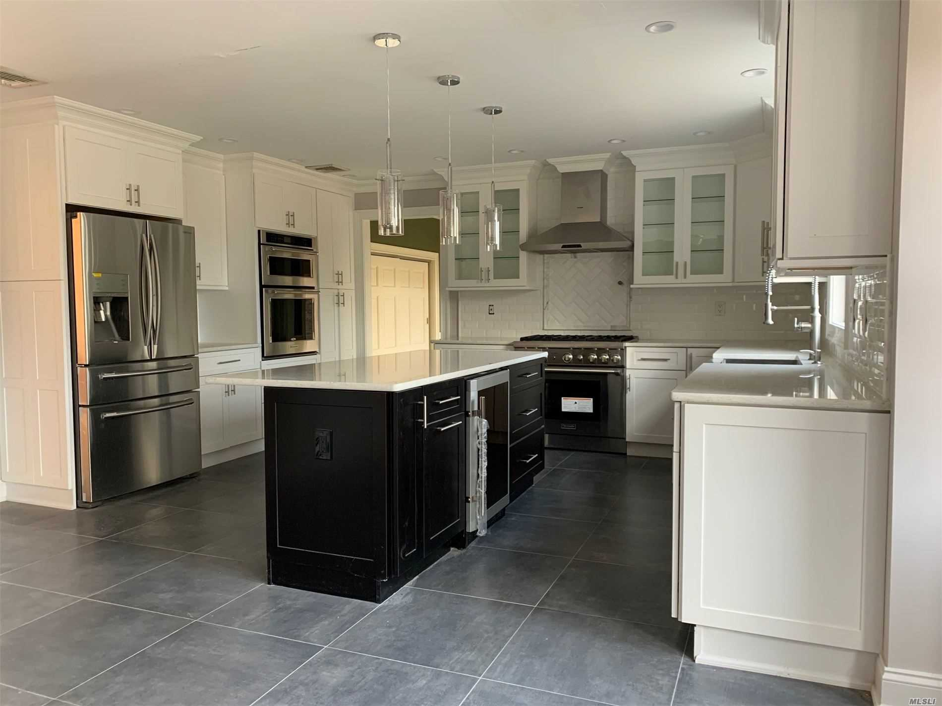 Residential For Sale in 1 Pheasant Run, St. James, NY ,11780